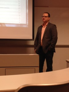Tarnoff telling the students about entrepreneurial journalism. Photo by Hanna Cornish.