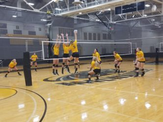 Young Women's Volleyball Team Aiming for a Good Season