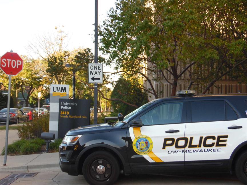 Crime decreases on uw milwaukee campus new report says for Milwaukee motor vehicle department