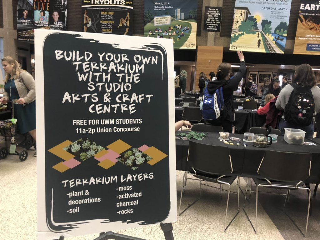 Uwm Schedule Of Classes Fall 2020.Build A Terrarium Event Has Students Almost Skipping Class